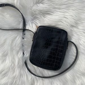 Forever 21 black leather snakeskin side bag